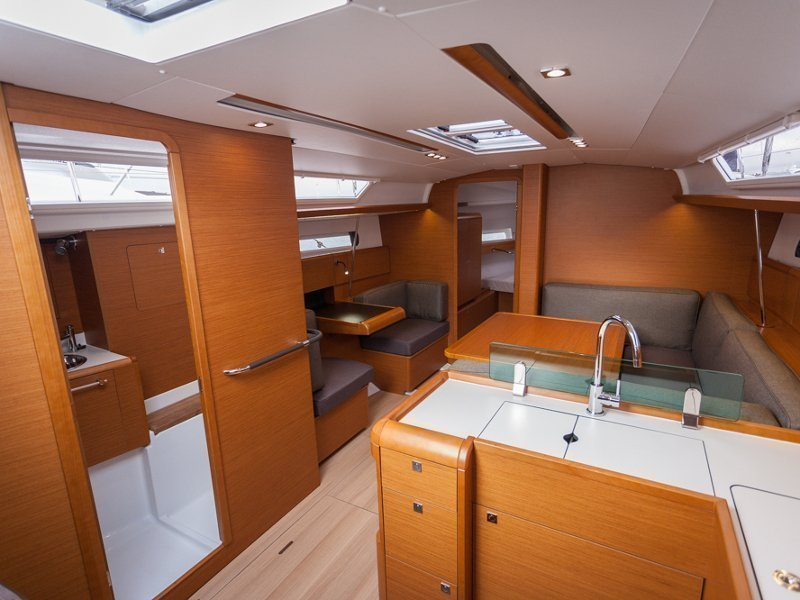 Sunsail 41.1 () Interior image - 12