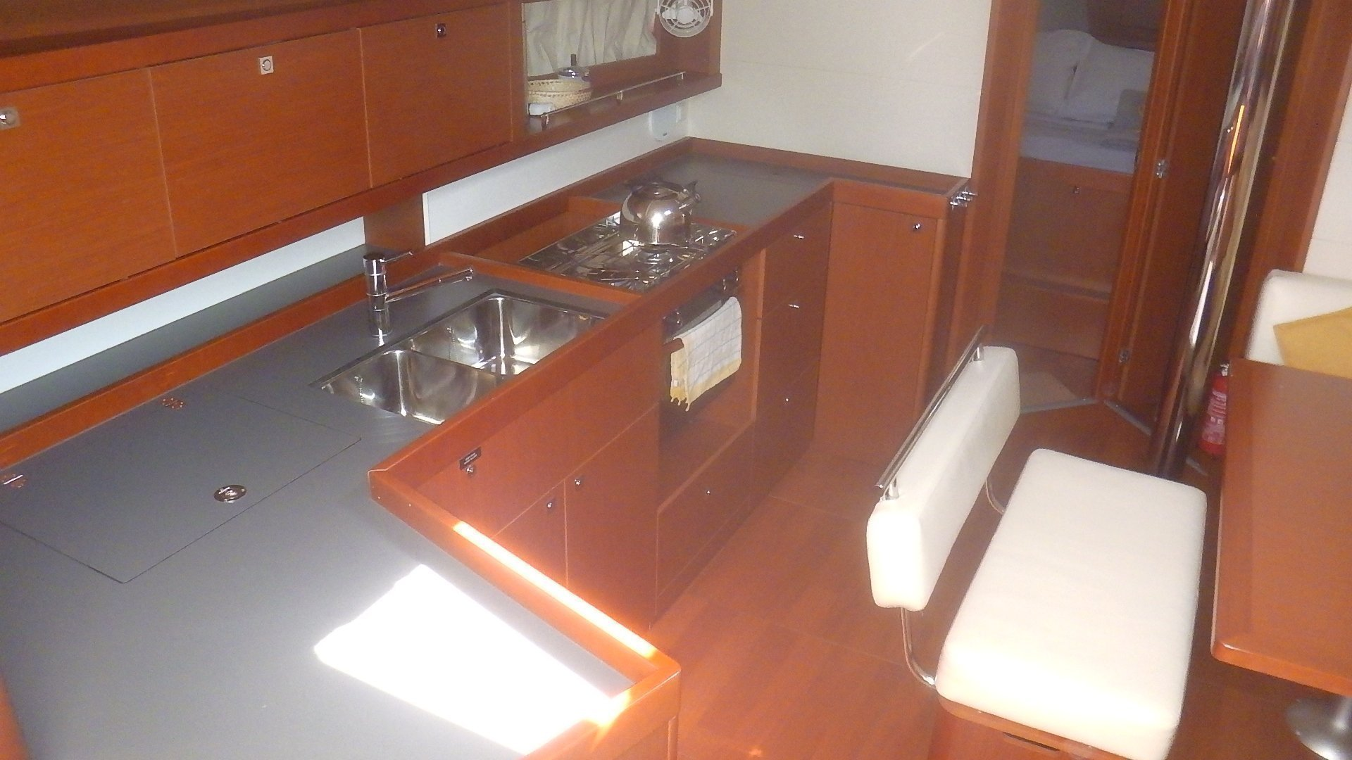 Oceanis 45 4 cabins (Mare Aeolos)  - 4