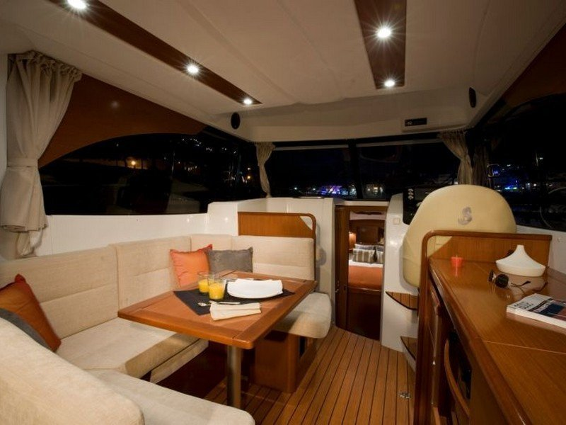 Beneteau Antares 30 Fly (RIMA) Interior image - 4