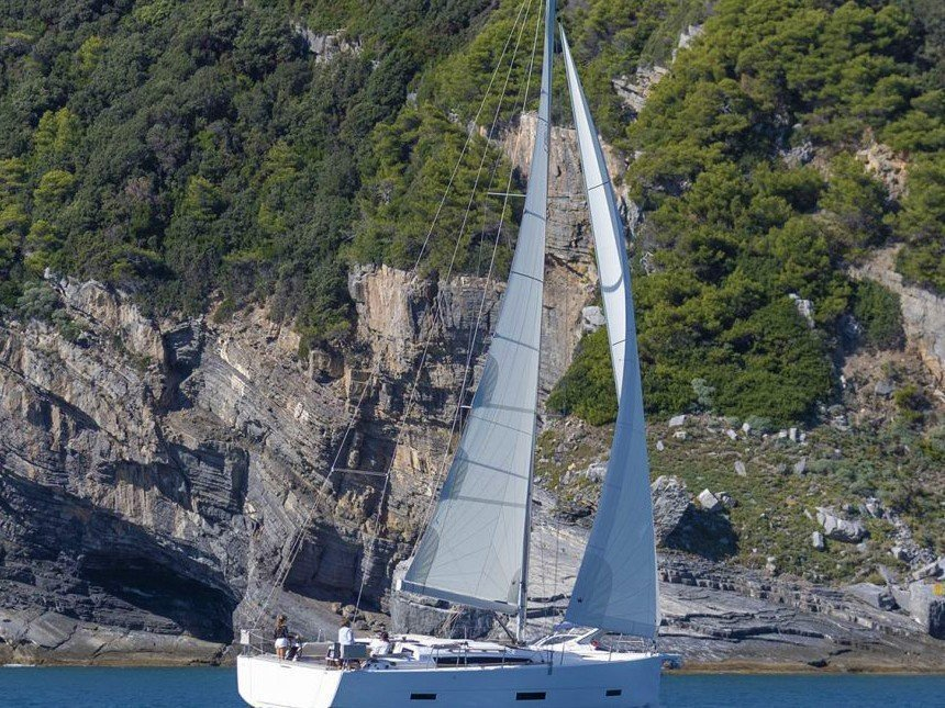 Dufour 360 Grand Large (Amaranta) Main image - 0