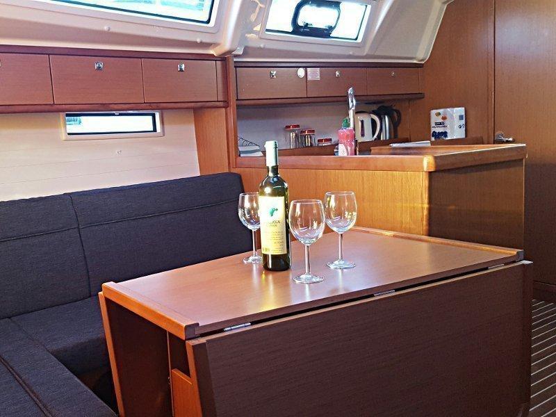 Bavaria Cruiser 37 (Maci)  - 6
