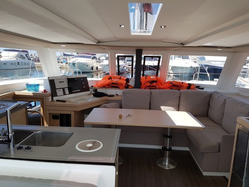 Fountaine Pajot Lucia 40 (Luce, A/C - Generator, A/C, Watermaker - 2017.) Interior image - 9