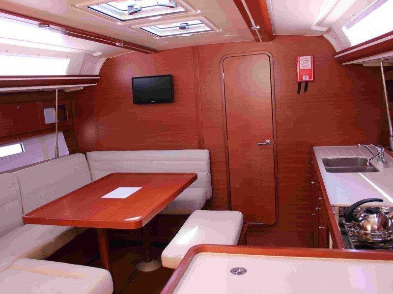 Dufour 450 GL (Maroussa (sails 2021)) Interior image - 3