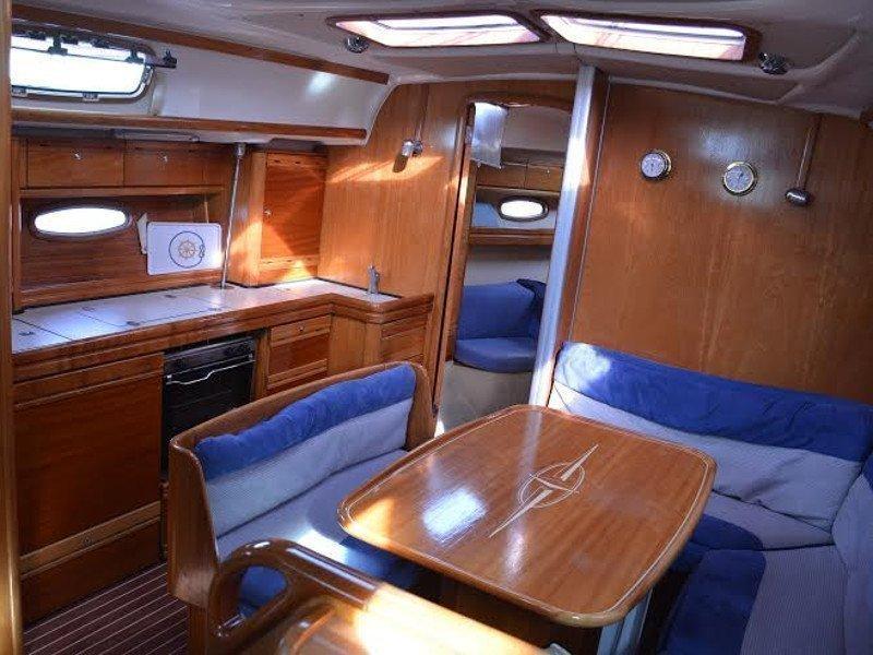 Bavaria 39 Cruiser (Axion) Interior image - 1