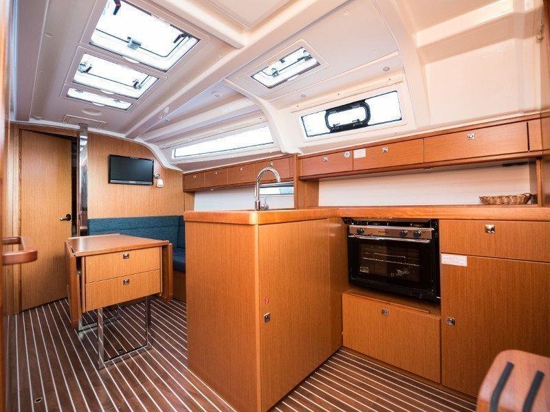 Bavaria Cruiser 37 (Rea)  - 36