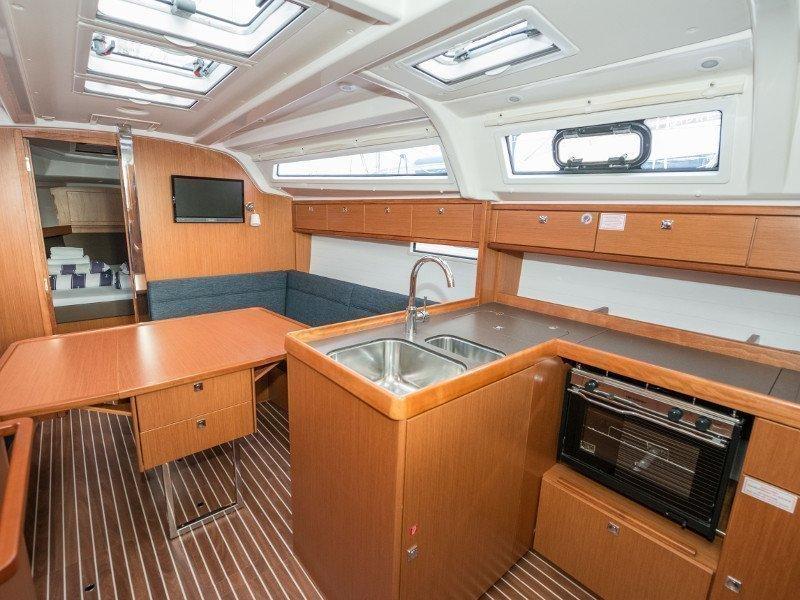 Bavaria Cruiser 37 (Rea)  - 14