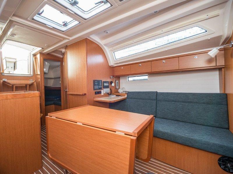 Bavaria Cruiser 37 (Rea)  - 2