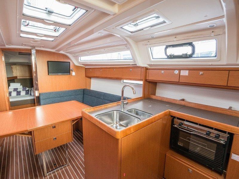 Bavaria Cruiser 37 (Rea)  - 45