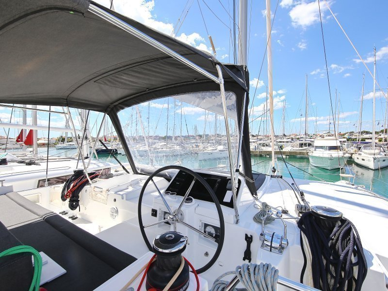 Lagoon 450 F (PRETTY ALICE AC all + generator + OB 20HP)  - 78