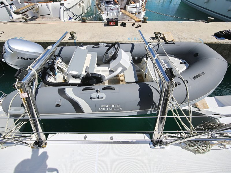 Lagoon 450 F (PRETTY ALICE AC all + generator + OB 20HP)  - 42