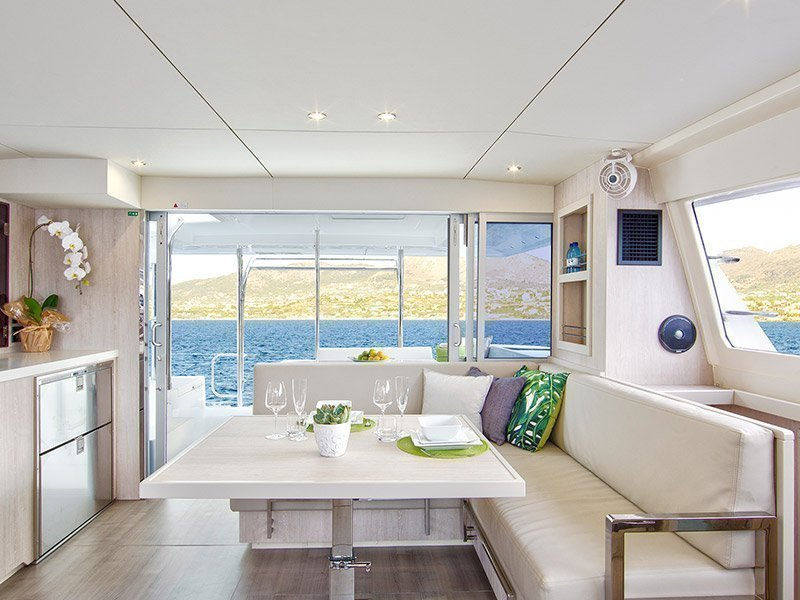 Moorings 4000/3 () Interior image - 2