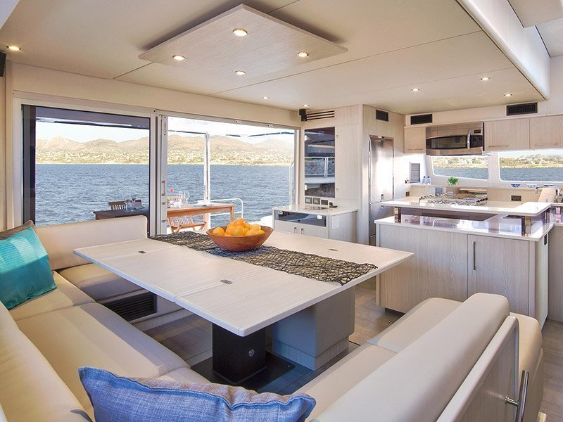 Moorings 5800 () Interior image - 3