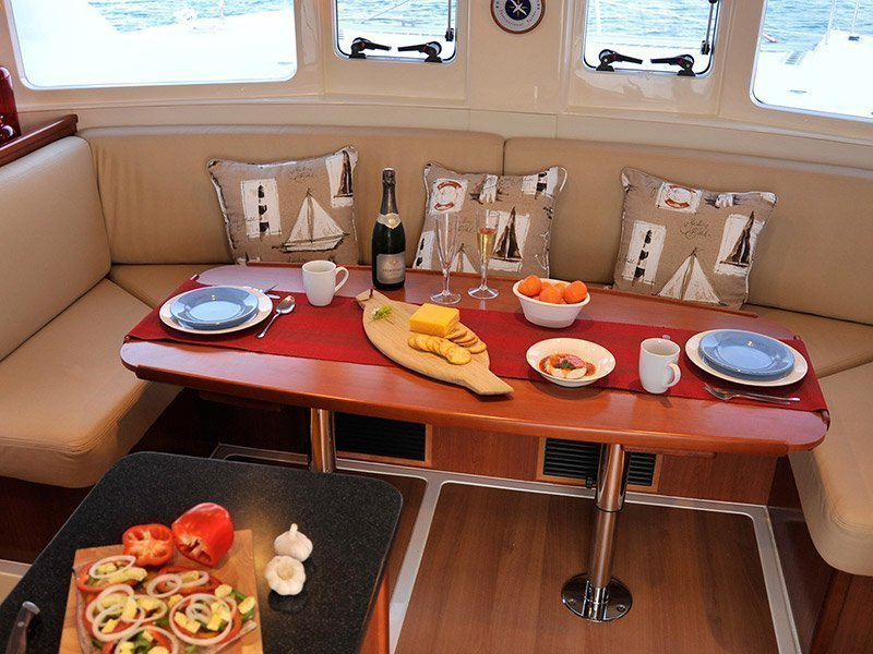 Moorings 394 PC () Interior image - 7