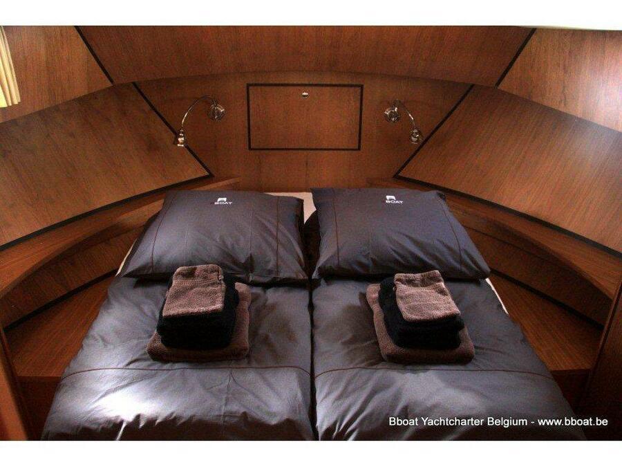 Linssen GS 30.9 AC (Ernest) Interior image - 3