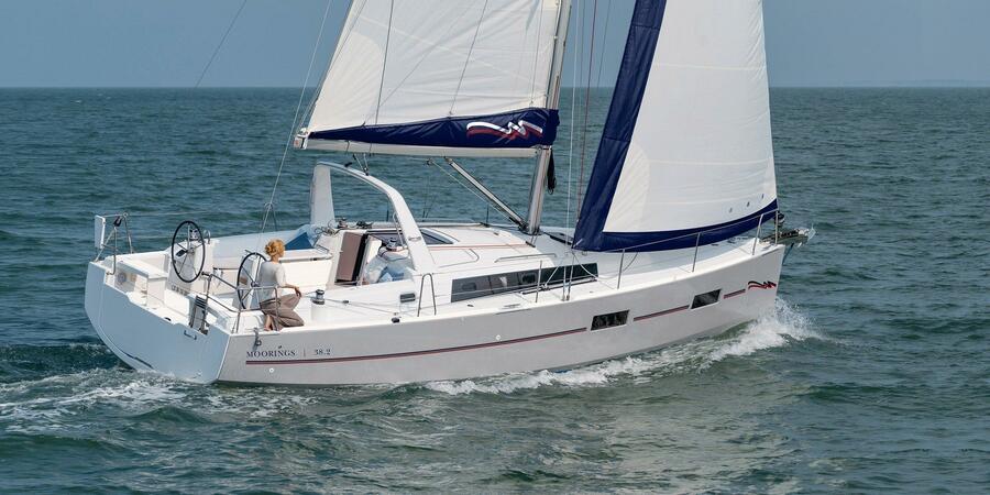 Oceanis 38 ()  - 2