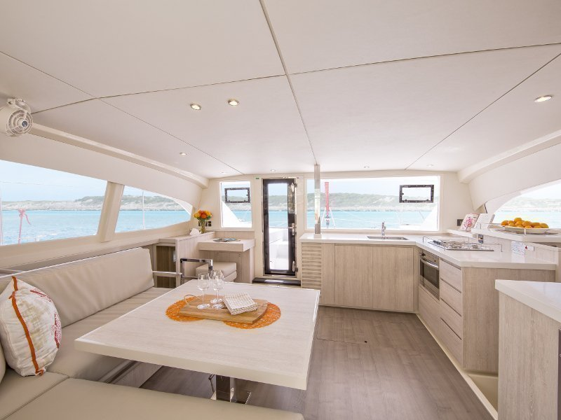 Sunsail 404 () Interior image - 8