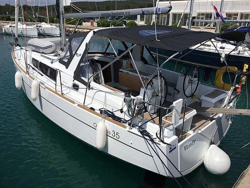 Oceanis 35 (Vendy) Main image - 0