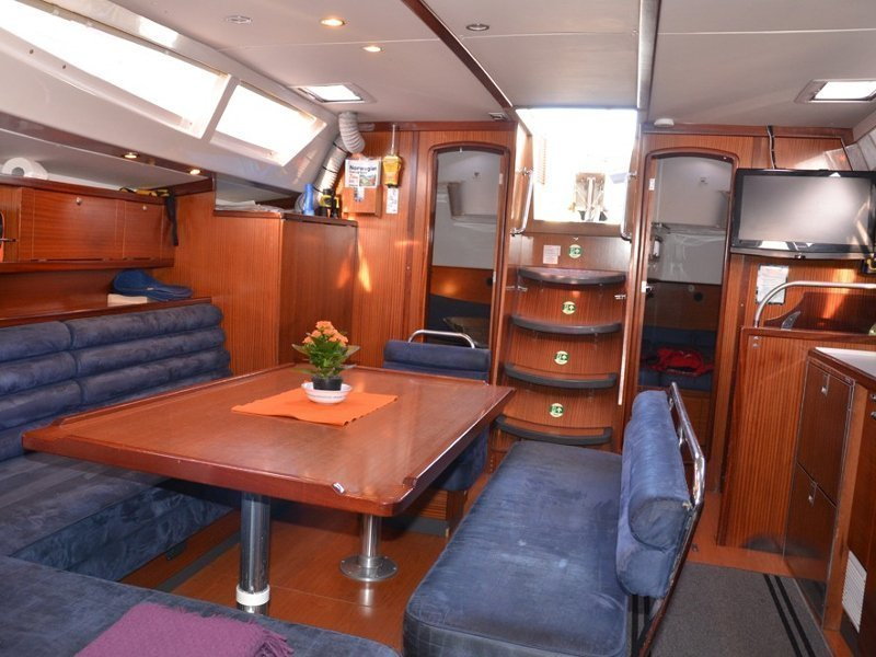 Delphia 47 (Arctic Light) Interior image - 9
