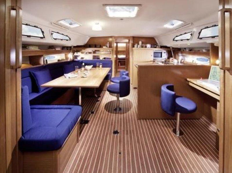 Bavaria 51 Cruiser (Arctic Breeze) Interior image - 2