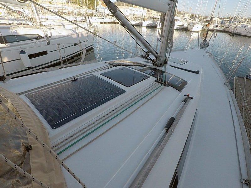 Dufour 350 GL (Luka (webasto, solar panel, additional water tank, shallow draft)) Dufour 350 - 1