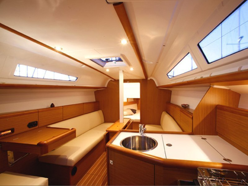 Sunsail 33i () Interior image - 1