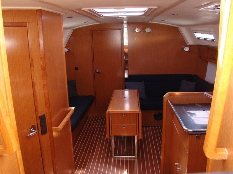 Bavaria Cruiser 36 (NU GA) Interior image - 2