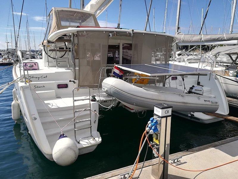Lagoon 400 (Stray cat (Sails 2019, Solar panel))  - 1