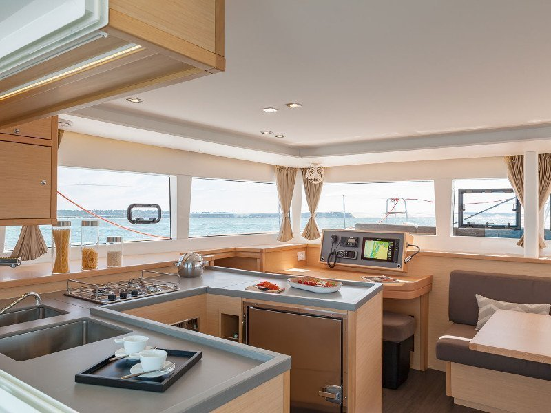 Lagoon 450 Sport (Salty Love) Interior image - 12
