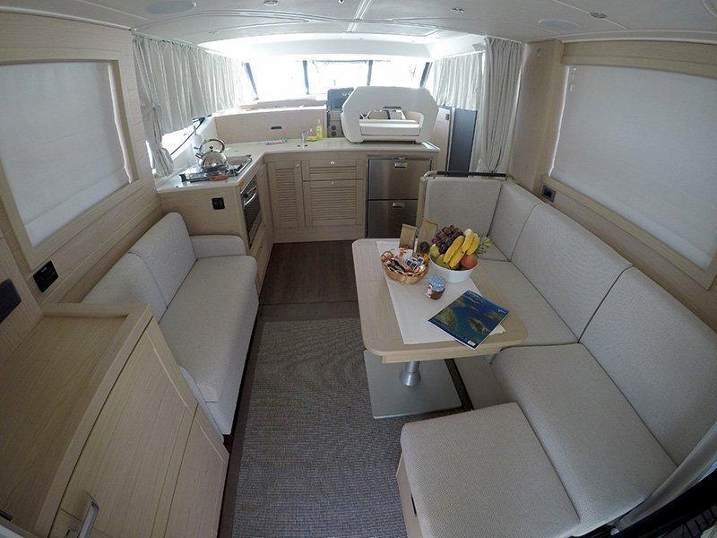 Beneteau S. Trawler 47 (Ocean dreamer (Joystick controller, Jet ski - option with extra charge)) Interior image - 7