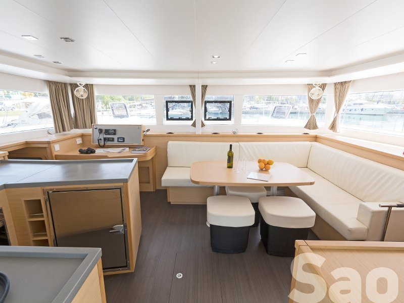 Lagoon 450 Flybridge. (Sao) Interior image - 2