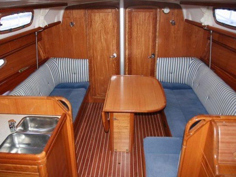 Bavaria 35 Cruiser (New 5) Interior image - 1