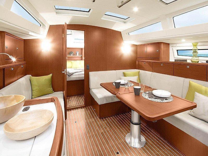 Bavaria 42 Cruiser (New 10) Interior image - 2