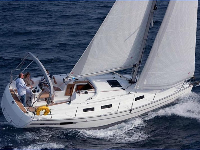 Bavaria 32 Cruiser (Ocean's Black) Main image - 1
