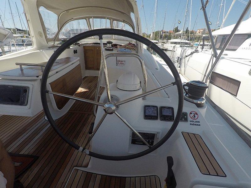 Oceanis 50 (Pika II (Bowthruster, Sails 2020, AC + generator)) Oceanis 50 - 23