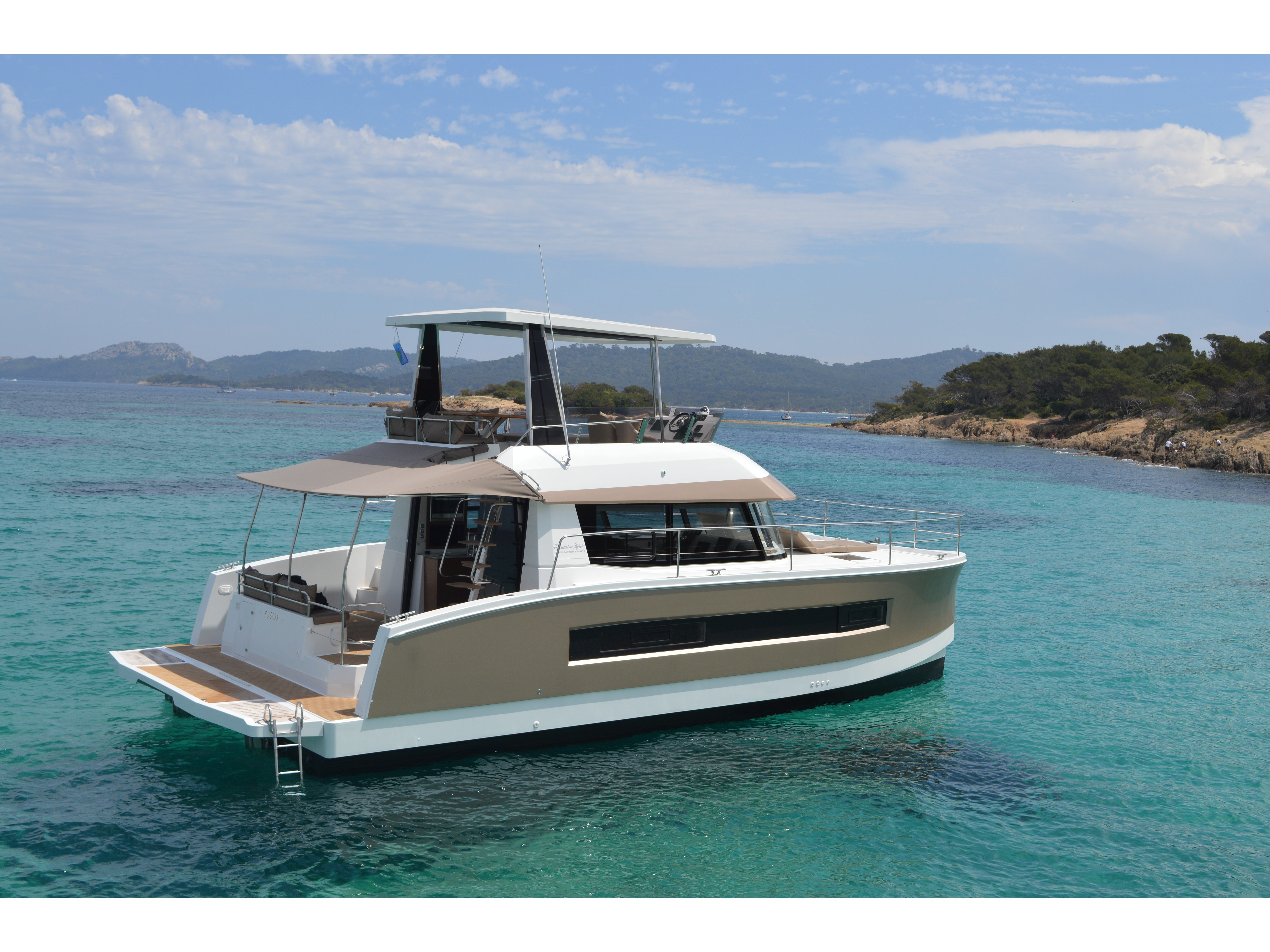 Fountaine Pajot MY 37 (Marie Vanille) Main image - 0
