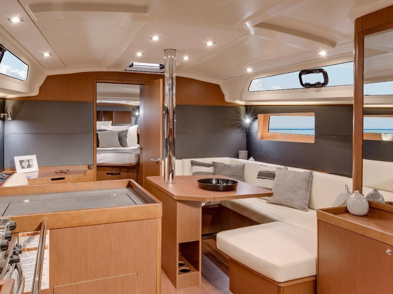 Oceanis 41 (Theresa) Interior image - 2