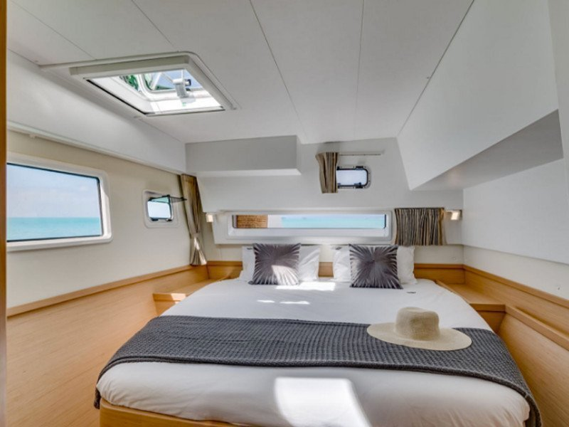 Lagoon 42 (Lagoon 42 Greece: Fully Crewed, ALL EXPENSES)  - 9