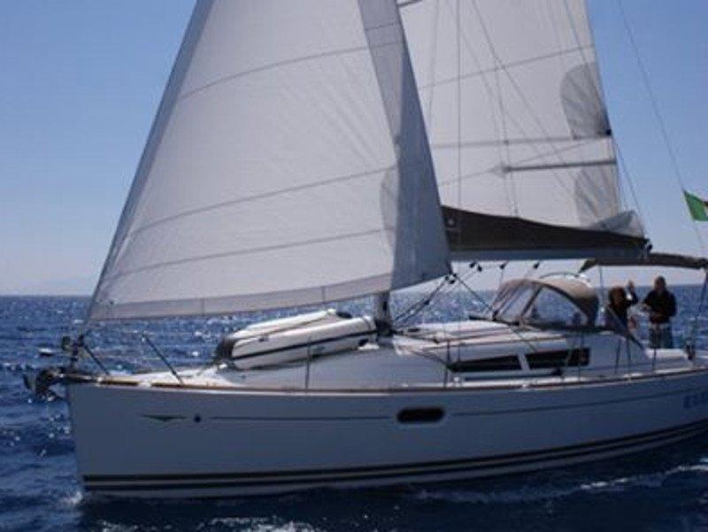 Sun Odyssey 36i (Frivola) Main image - 0