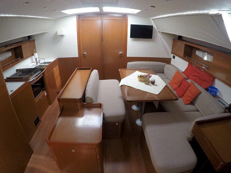 Oceanis 50 (Pika II (Bowthruster, Sails 2020, AC + generator)) Interior image - 11