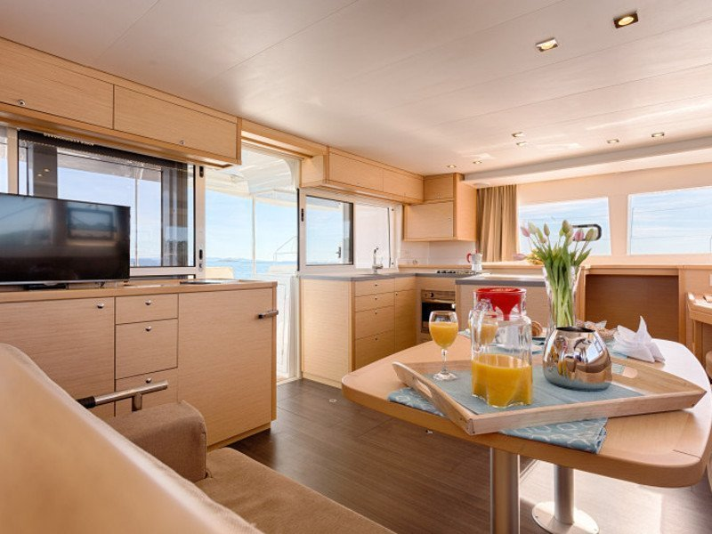 Lagoon 450 F Luxury (ALBA MOUSE feat. A/C and Generator) Interior image - 15