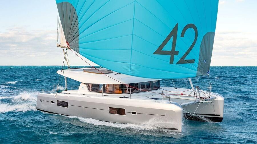 Lagoon 42 (Albertina)  - 4