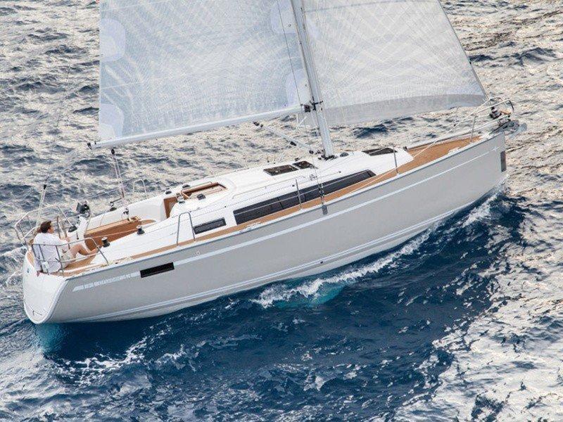 Bavaria Cruiser 33 (HOMEOFFICE) Main image - 16