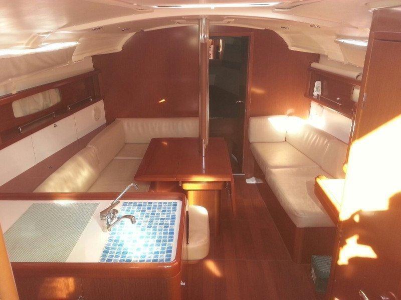 Oceanis 37 (Romantica) Interior image - 4