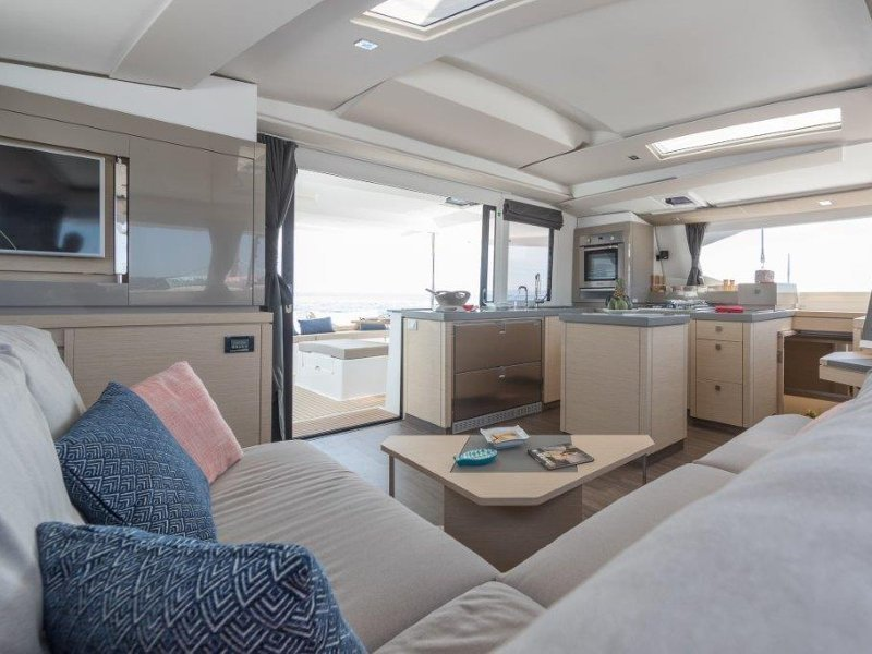 "Saona 47 - Fountaine Pajot (Crewed   ""Alegria"") Interior image - 11"