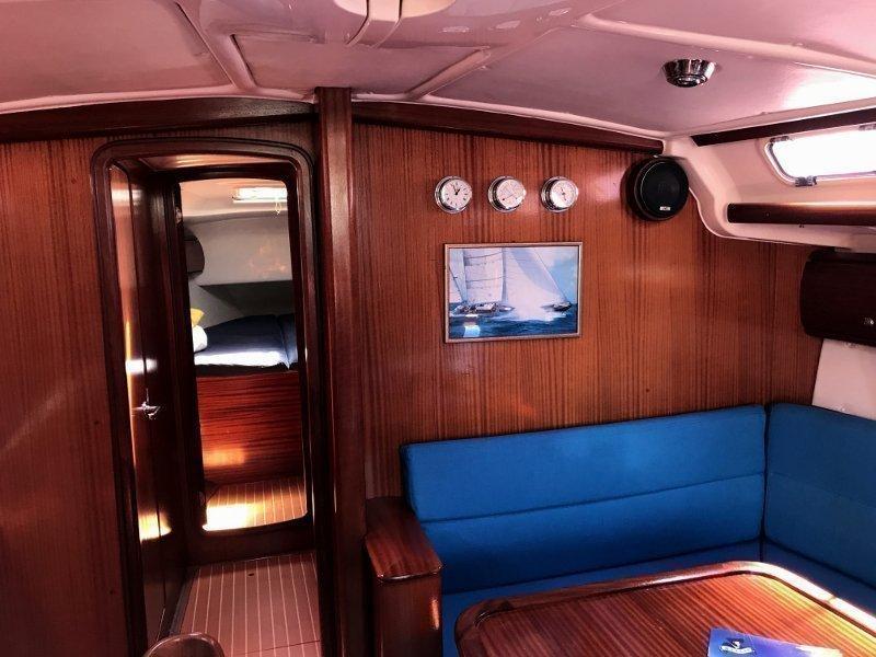 Bavaria 44 - Sails 2017 chartplotter in cockpit (Tatinja ) Interior image - 3