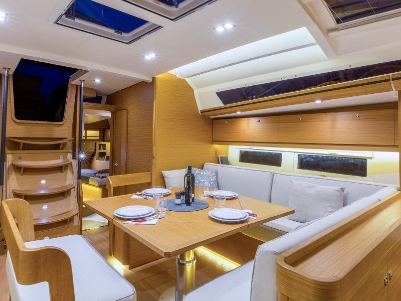 Dufour 520 GL (EURUS - BLUE HULL, AC+GEN., UNDERWATER LIGHTS)  - 14