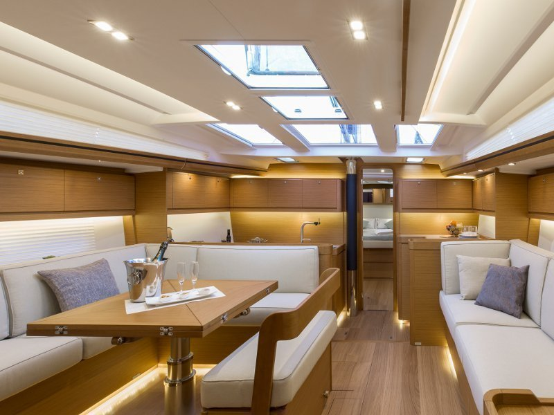 Dufour 520 GL (EURUS - BLUE HULL, AC+GEN., UNDERWATER LIGHTS) Interior image - 13
