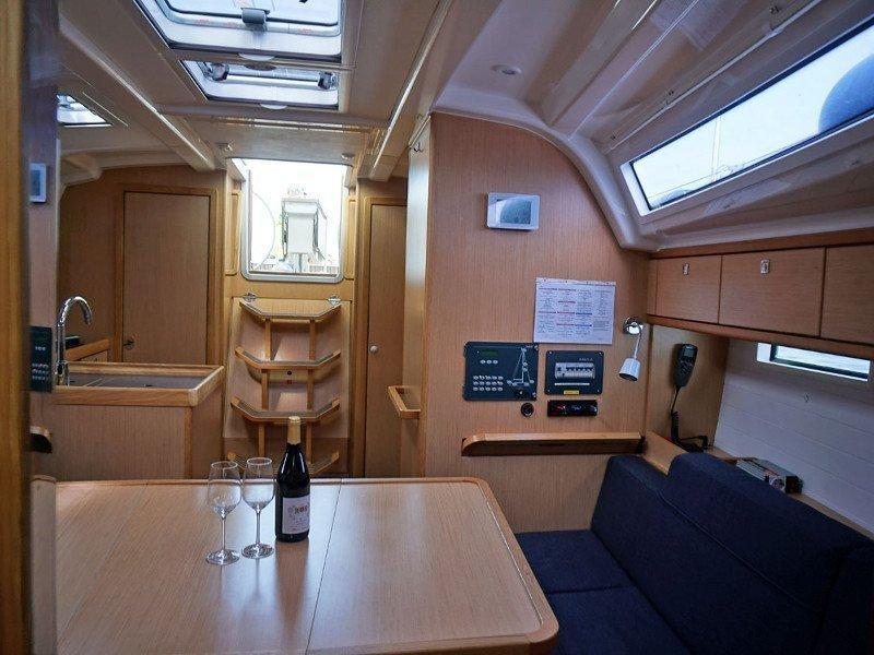 Bavaria Cruiser 37 (Faischee)  - 3
