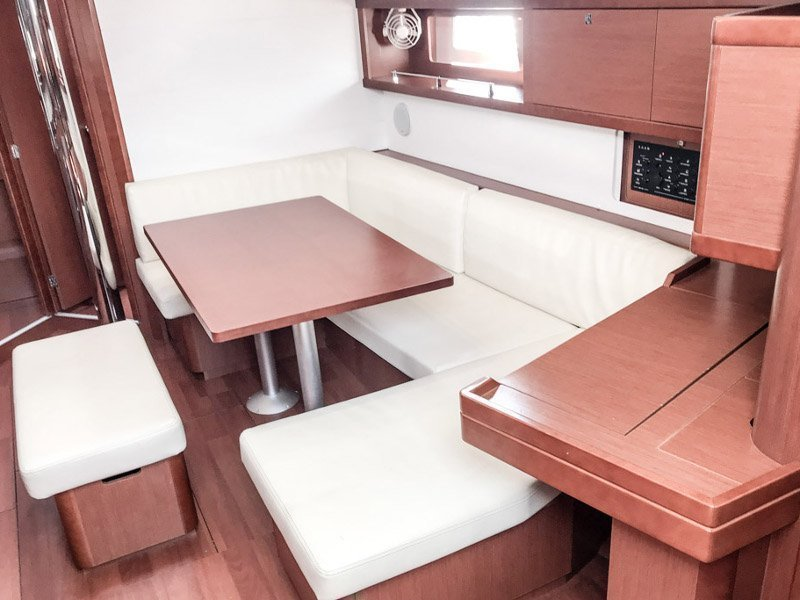 Oceanis 45 (4 cabs) (Foxtrot)  - 15