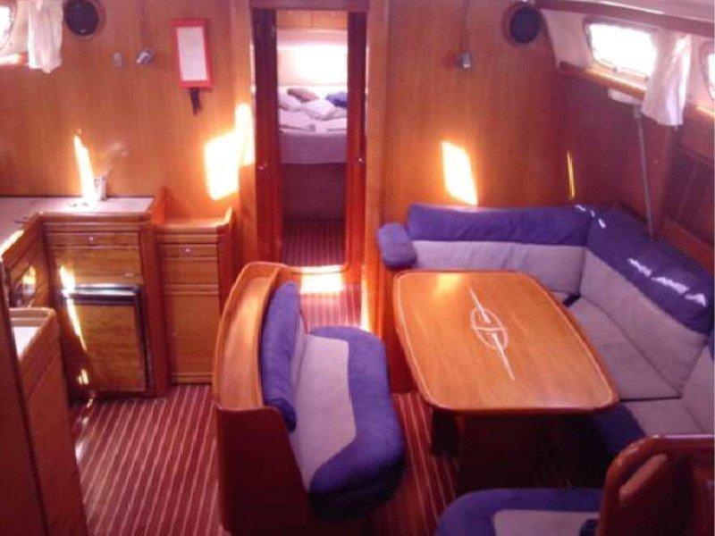 Bavaria 46 Cruiser (Chloe) Interior image - 4